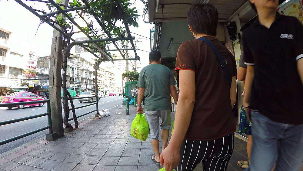 Walking on Ratchadamri Road, Bangkok, Thailand, South Asia, Asia