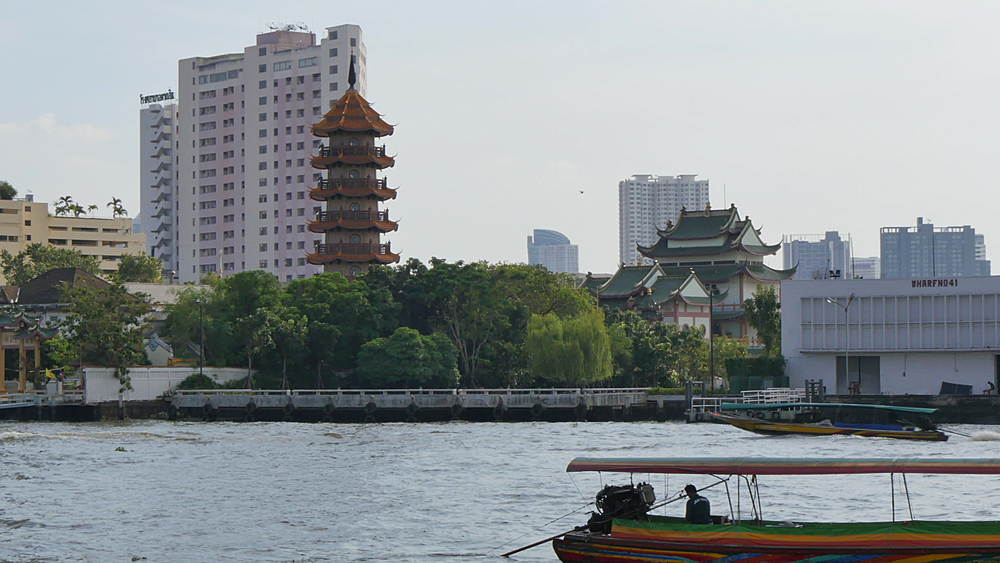 Boats on Chao Phraya River, Bangkok, Thailand, South Asia, Asia