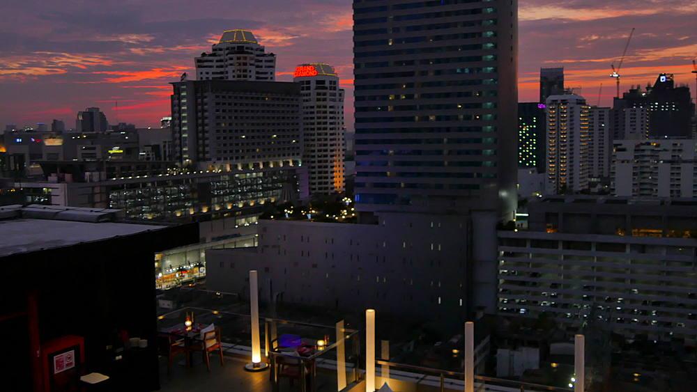 Bangkok skyline at night, Bangkok, Thailand, South East Asia, Asia