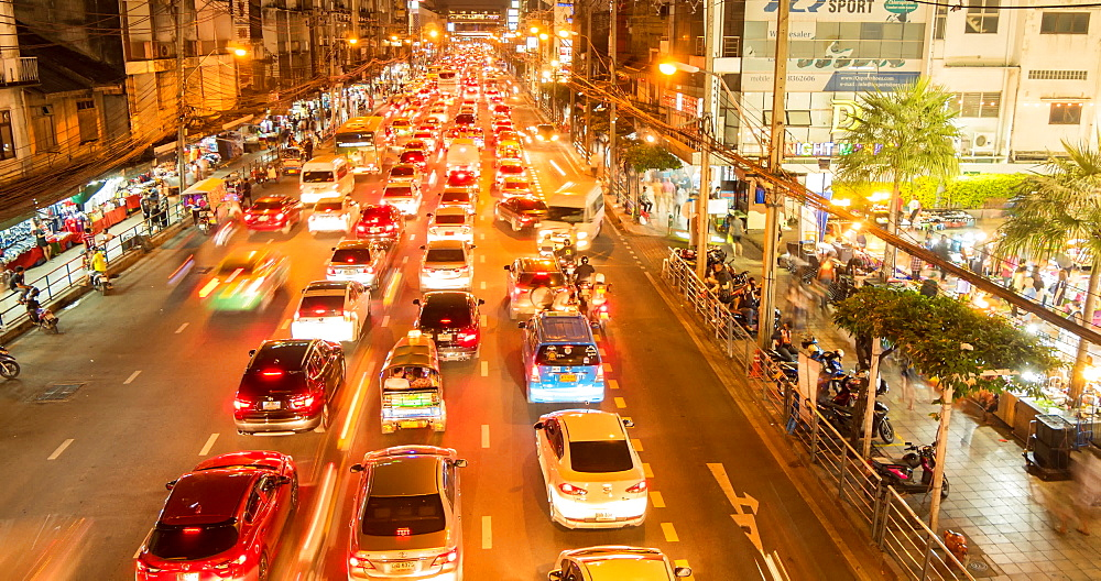 Traffic on Ratchadamri Road at night, Bangkok, Thailand, South East Asia, Asia