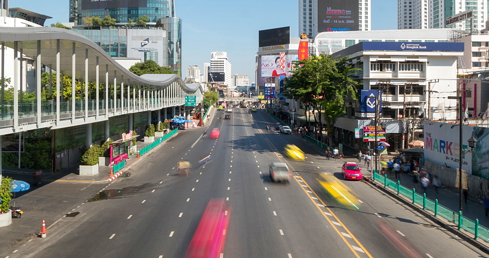 Traffic on Ratchadamri Road, Bangkok, Thailand, South East Asia, Asia
