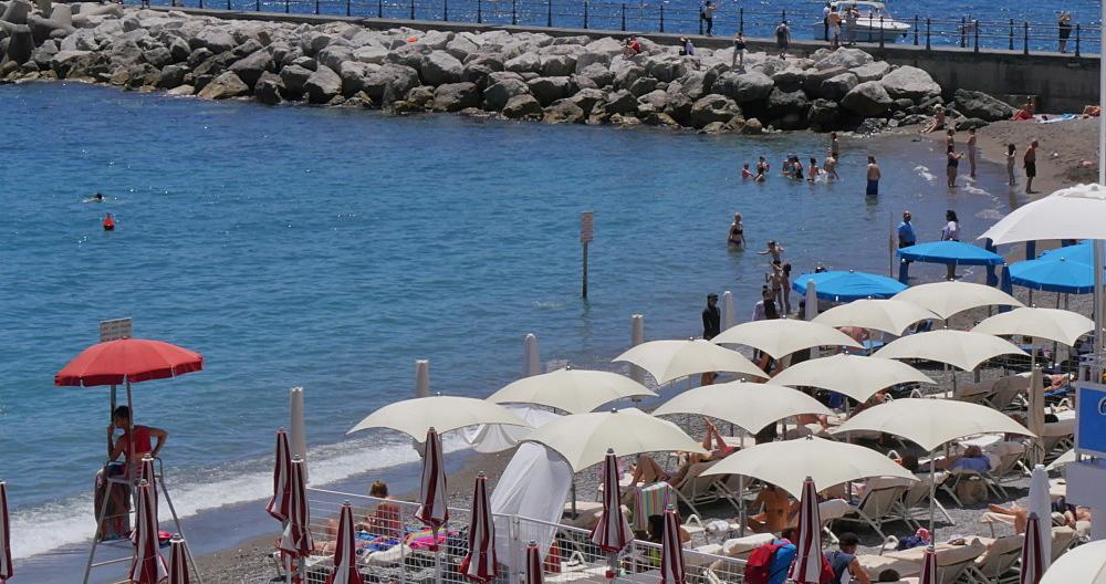 Beach and Marina Grande Cafe, Amalfi, Costiera Amalfitana (Amalfi Coast), UNESCO World Heritage Site, Campania, Italy, Europe