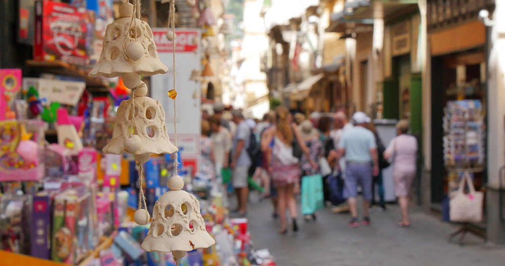Shoppers on Via S. Cesareo, Sorrento, Costiera Amalfitana (Amalfi Coast), UNESCO World Heritage Site, Campania, Italy, Europe