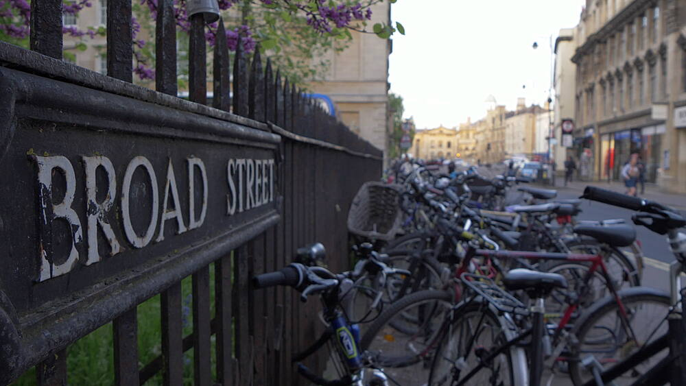 Cycles on Broad Street and sign, Oxford, Oxfordshire, England, United Kingdom, Europe - 844-14300