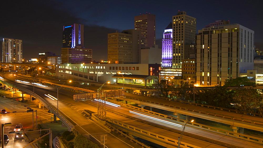 Timelapse of traffic on freeway in Downtown Miami at night, Miami, Florida, USA - 844-14329