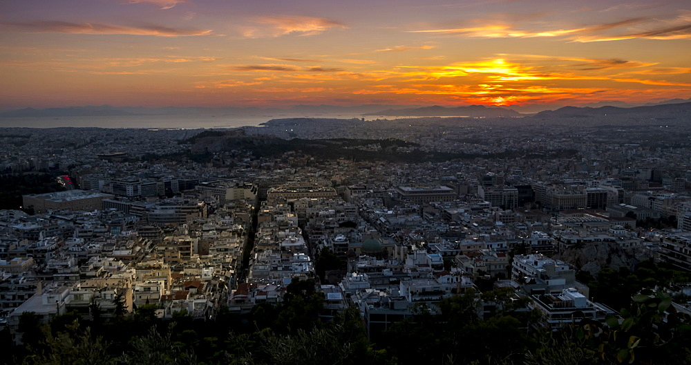 Time Lapse of traffic near Hadrian's Arch with Mount Lycabettus visible, Athens, Greece, Europe - 844-14899