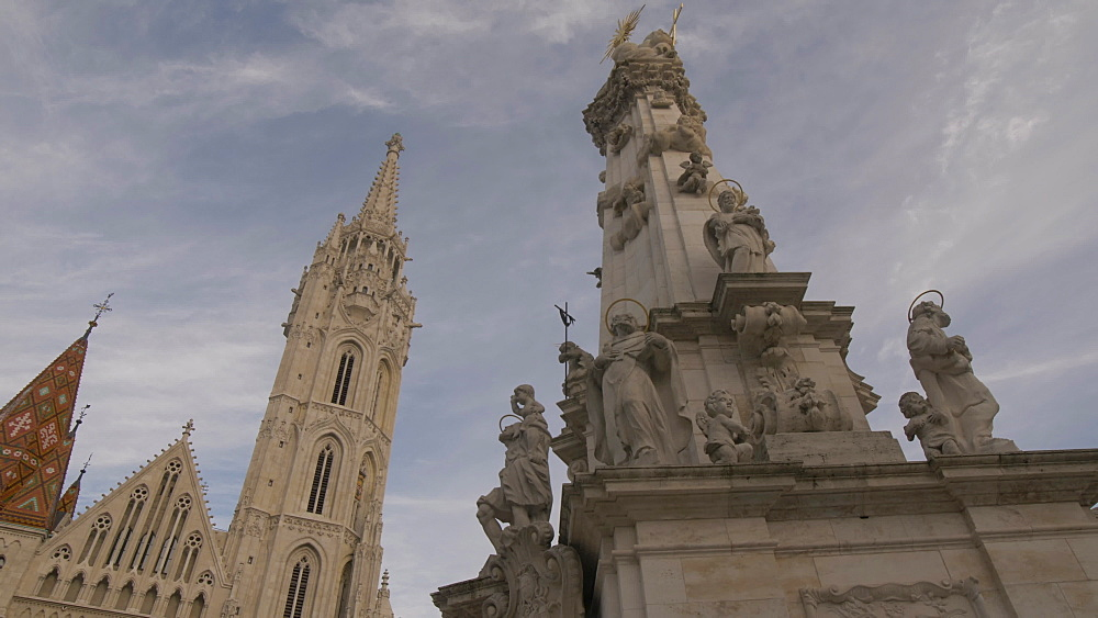 Holy Trinity Statue and Matthias Church during winter, Castle District, UNESCO World Heritage Site, Budapest, Hungary, Europe