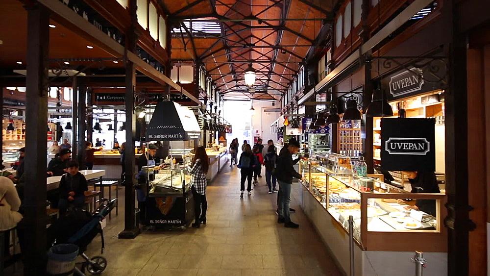 Roaming shot of interior of Mercado San Miguel, Madrid, Spain, Europe - 844-16630