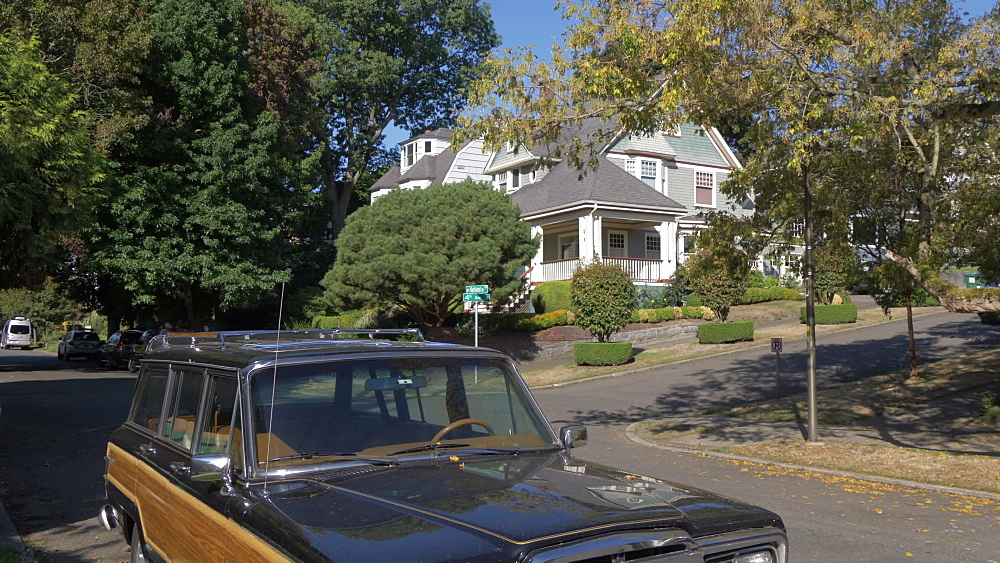 View of station wagon and suburban houses near Kerry Park, Queen Ann District, Seattle, Washington State, United States of America, North America
