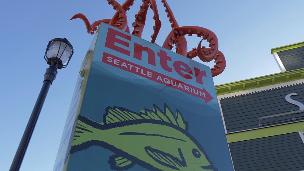 Panning view of Seattle Aquarium facade, Seattle, Washington State, United States of America, North America - 844-16833