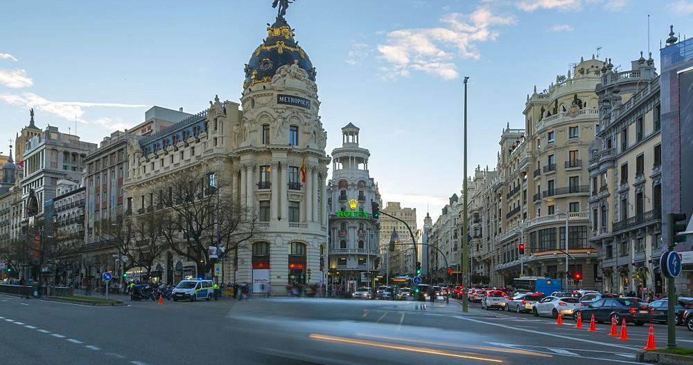 Time lapse of traffic near Edificio Metropolis, Calle de Alcala, Madrid, Spain, Europe