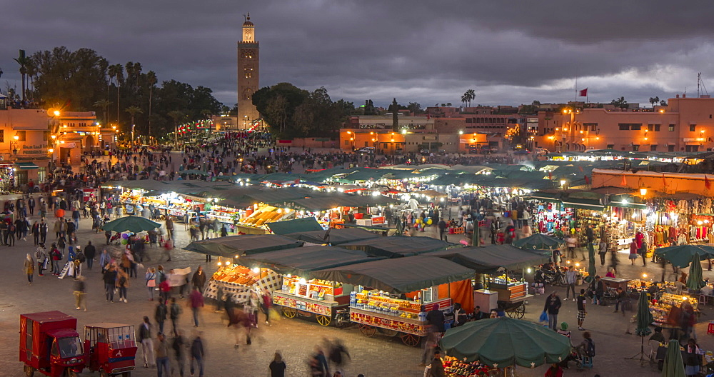 Time lapse of Jemaa el Fna (Djemaa el Fnaa) Square, UNESCO World Heritage Site, at dusk, Marrakesh, Morocco, North Africa, Africa - 844-16891