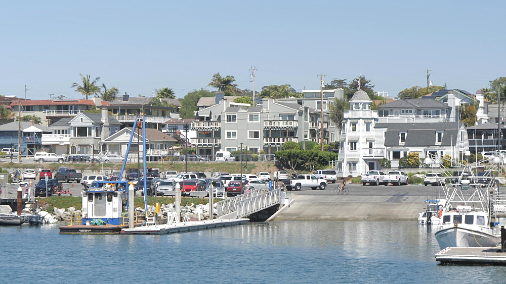 Houses and restaurants overlooking Santa Cruz Small Craft Harbour on summer'?s day, Santa Cruz, California, United States of America, North America
