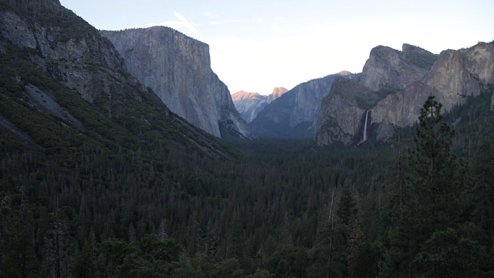 View of Yosemite Valley from Tunnel View at sunset, Yosemite National Park, UNESCO World Heritage Site, California, United States of America, North America
