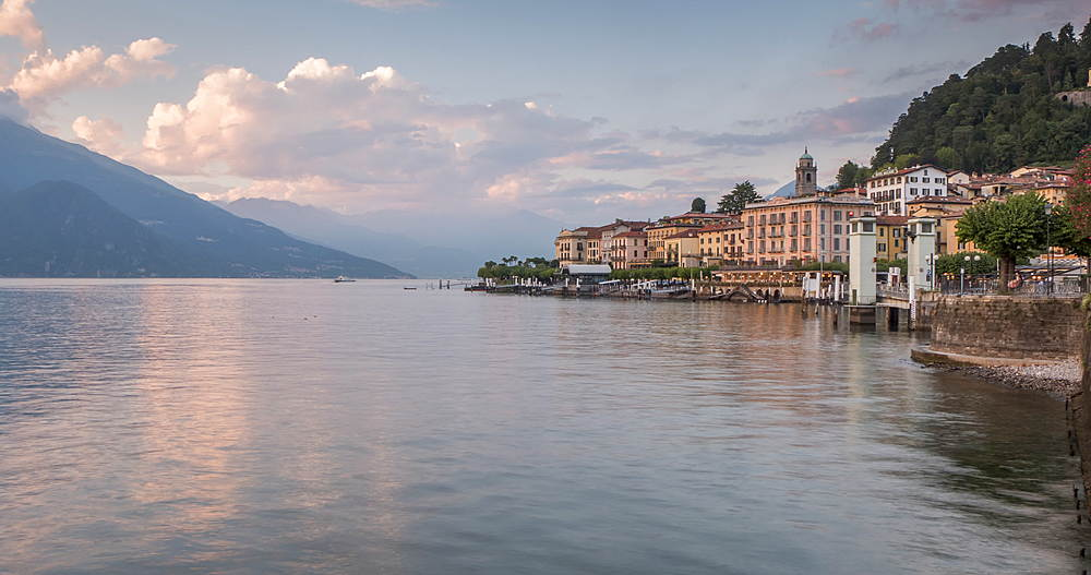 Time lapse of lake and boats at Bellagio at sunset, Lake Como, Lombardy, Italy, Europe - 844-18072