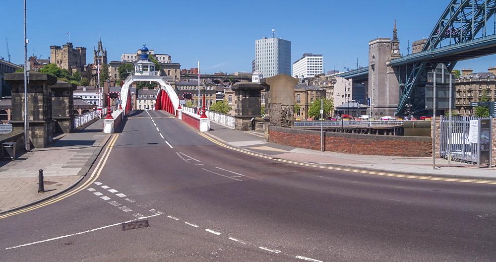 Time Lapse of traffic crossing Swing Bridge, Newcastle-upon-Tyne, Tyne and Wear, England, United Kingdom, Europe - 844-18078