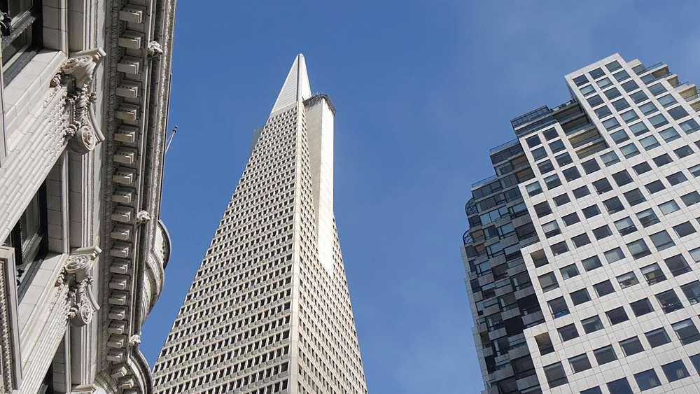 Panning shot of the Transamerica Pyramid, Financial District, San Francisco, California, United States of America, North America - 844-18465