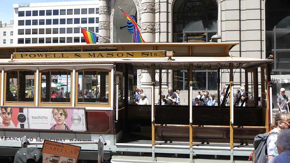 Cable car turning on Market Street & Powell Street, San Francisco, California, United States of America, North America - 844-18519