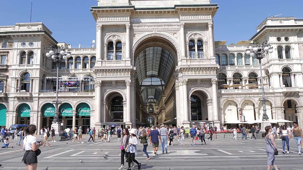 Tracking shot of Galleria Vittorio Emanuele II in Piazza del Duomo, Milan, Lombardy, Italy, Europe - 844-18732