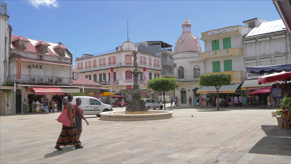 Pan shot of Spice Market in Spice Market Square, Pointe-a-Pitre, Guadeloupe, French Antilles, West Indies, Caribbean, Central America