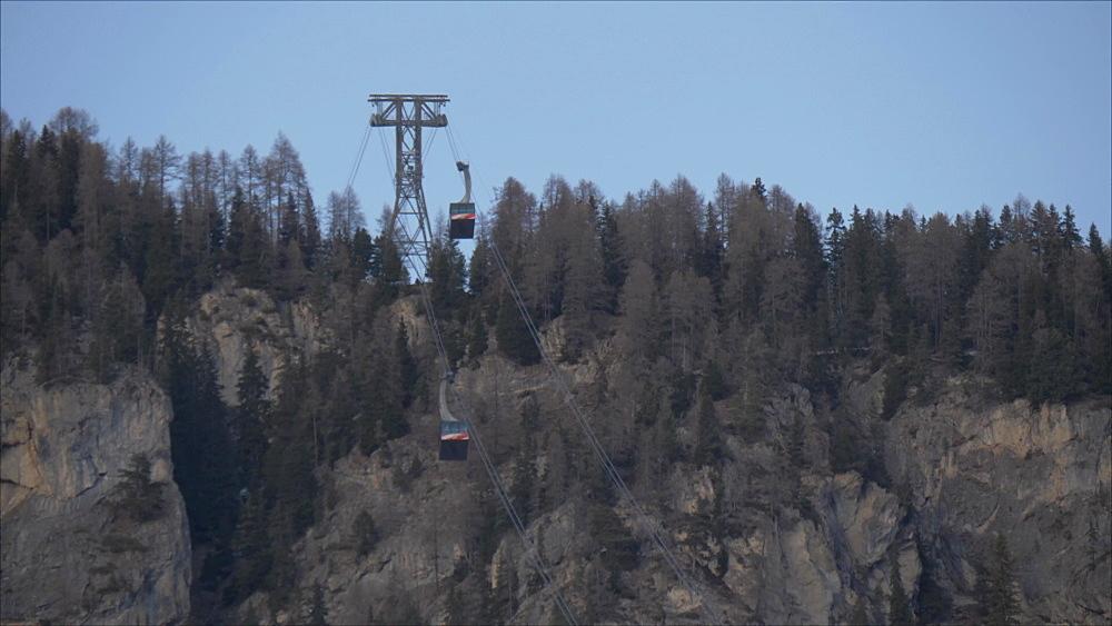 Still shot of cable cars to Col Rodella, Campitello di Fassa, Province of Trento, Trentino-Alto Adige/Sudtirol, Italy, Europe