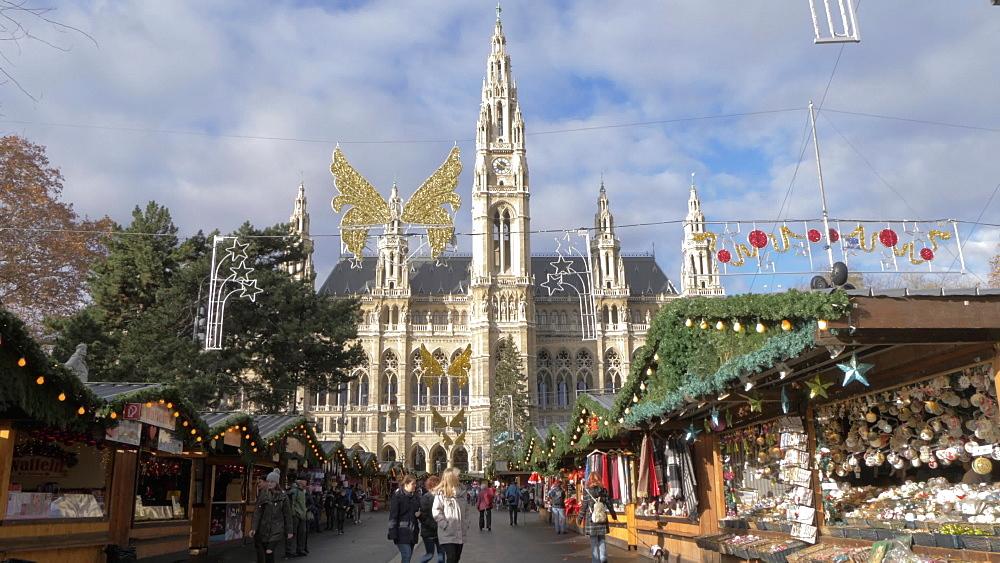 View of Christmas Market in Rathausplatz and the Rathaus, Vienna, Austria, Europe
