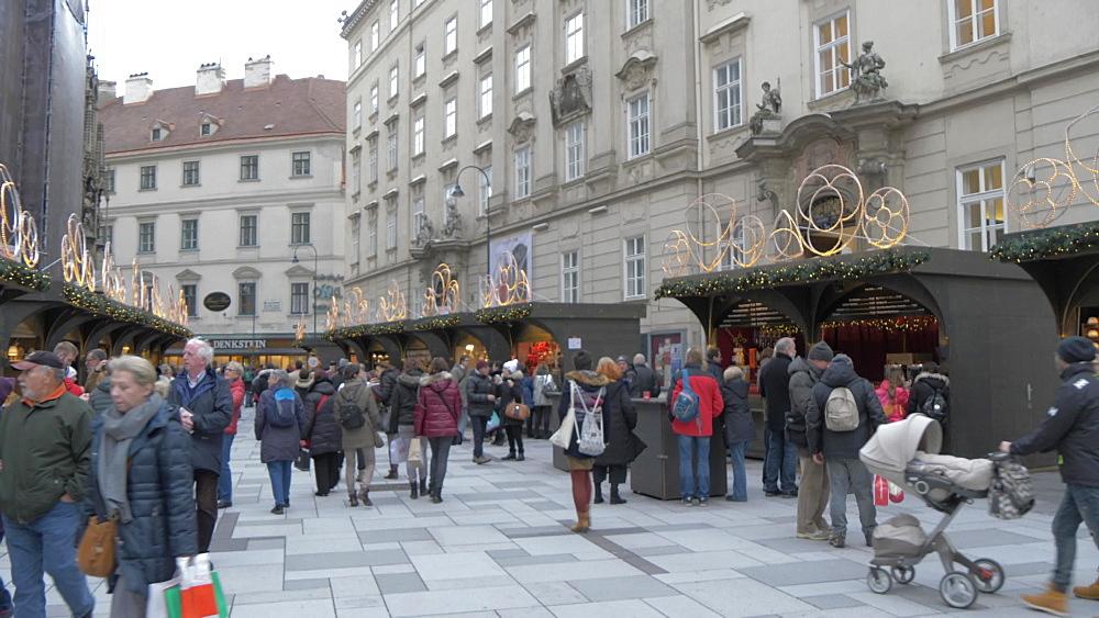 Christmas Market on Stephanplatz at Christmas, Vienna, Austria, Europe