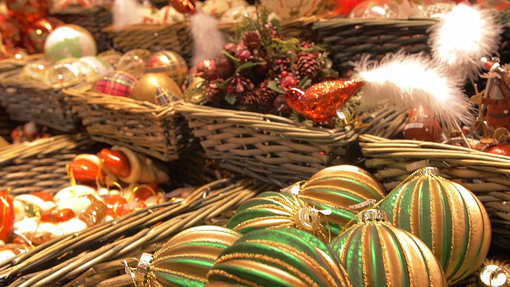 Christmas decorations stall, Christmas Market, Rathausplatz, Vienna, Austria, Europe