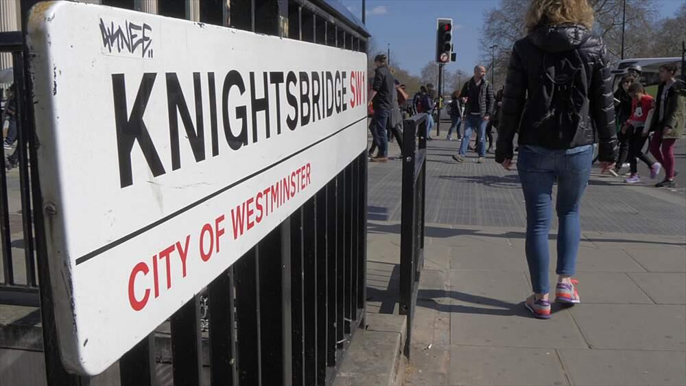 Knightsbridge sign and entrance at Hyde Park Corner in springtime, London, England, United Kingdom, Europe