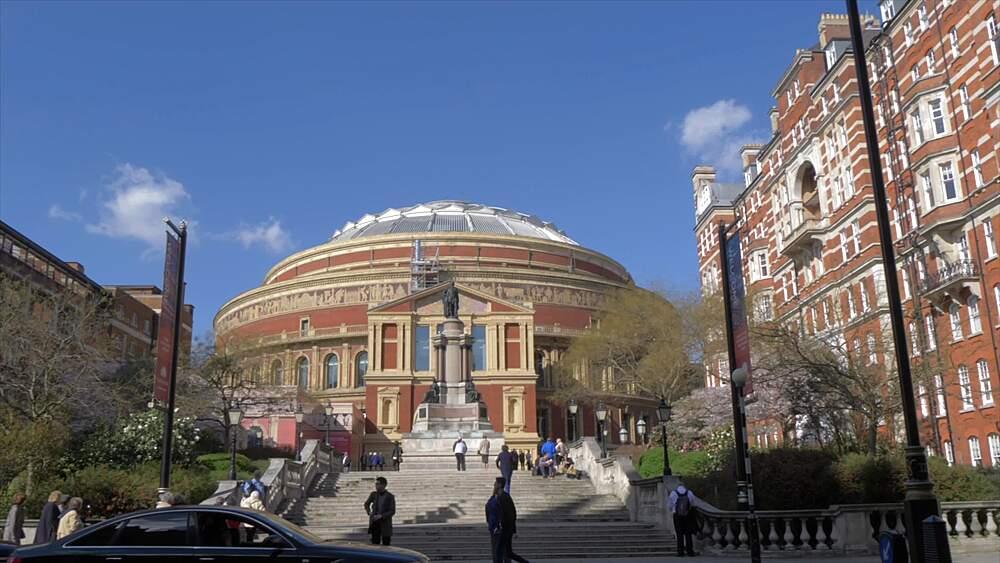 The Royal Albert Hall in springtime, Kensington, London, England, United Kingdom, Europe