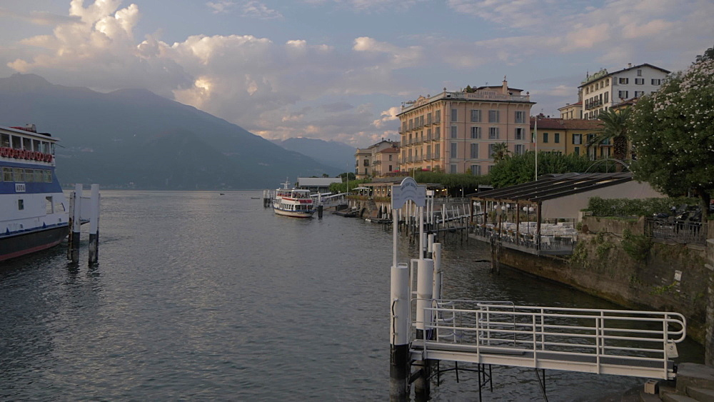 Ferry boat arriving Lake Como lakeside town of Bellagio, Bellagio, Lake Como, Lombardy, Italian Lakes, Italy, Europe