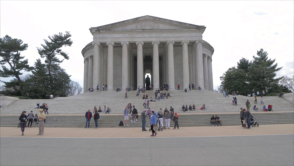 Thomas Jefferson Memorial and visitors, Washington DC, United States of America, North America