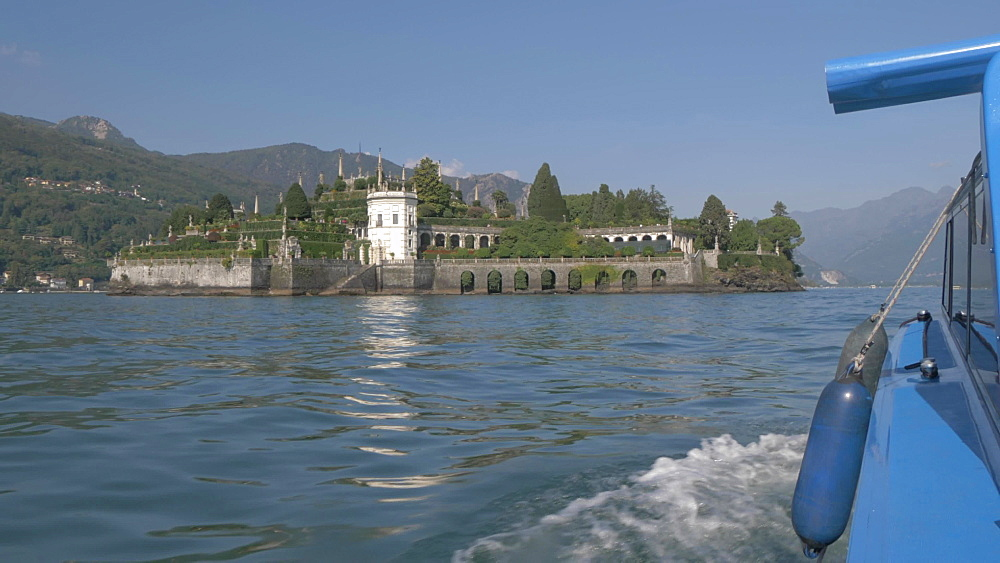 Onboard boat shot towards Isola Bella, Lake Maggiore, Piedmont, Italian Lakes, Italy, Europe