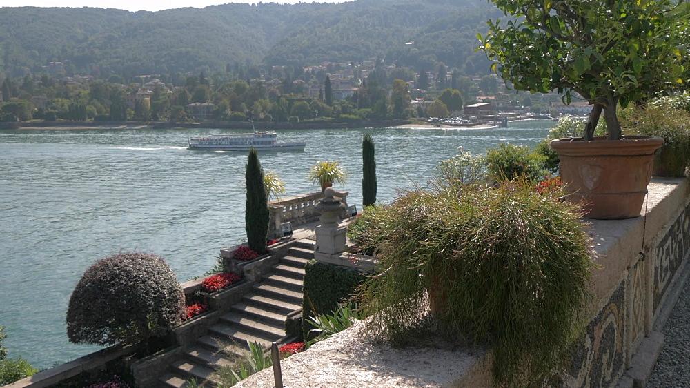 Floral Fountains and Lake Maggiore, Isola Bella, Borromean Islands, Lake Maggiore, Piedmont, Italian Lakes, Italy, Europe