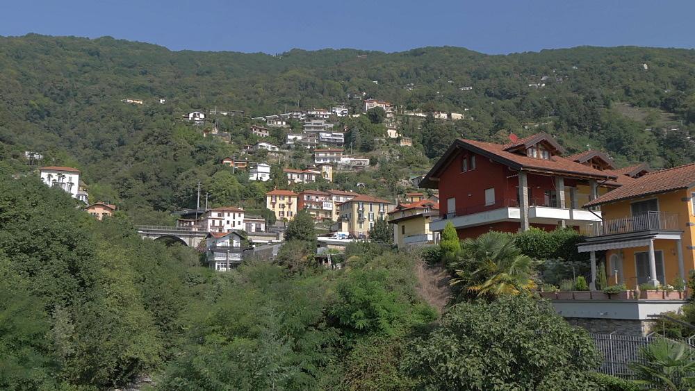 Parrocchia San Giorgio and town, Cannero Riviera, Lake Maggiore, Piedmont, Italian Lakes, Italy, Europe