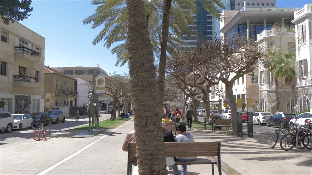 Palm trees and architecture on Rothschild Boulevard, Tel Aviv, Israel, Middle East