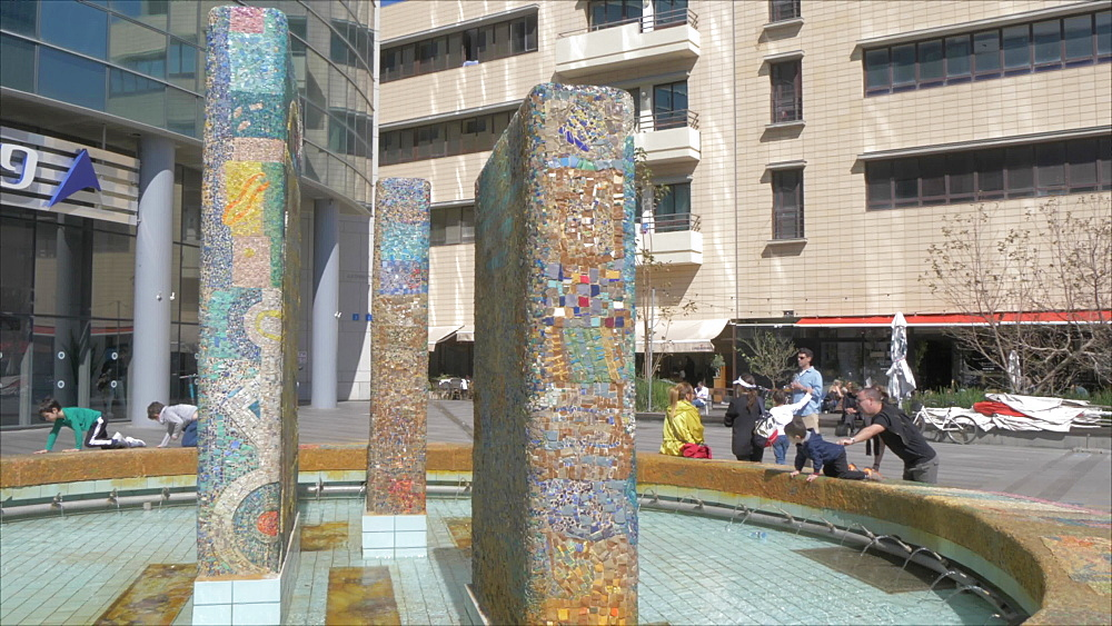 Street art and architecture on Rothschild Boulevard, Tel Aviv, Israel, Middle East