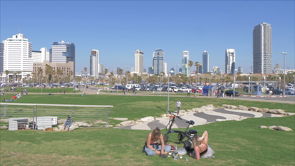 Charles Clore Park and city backdrop, Tel Aviv, Israel, Middle East