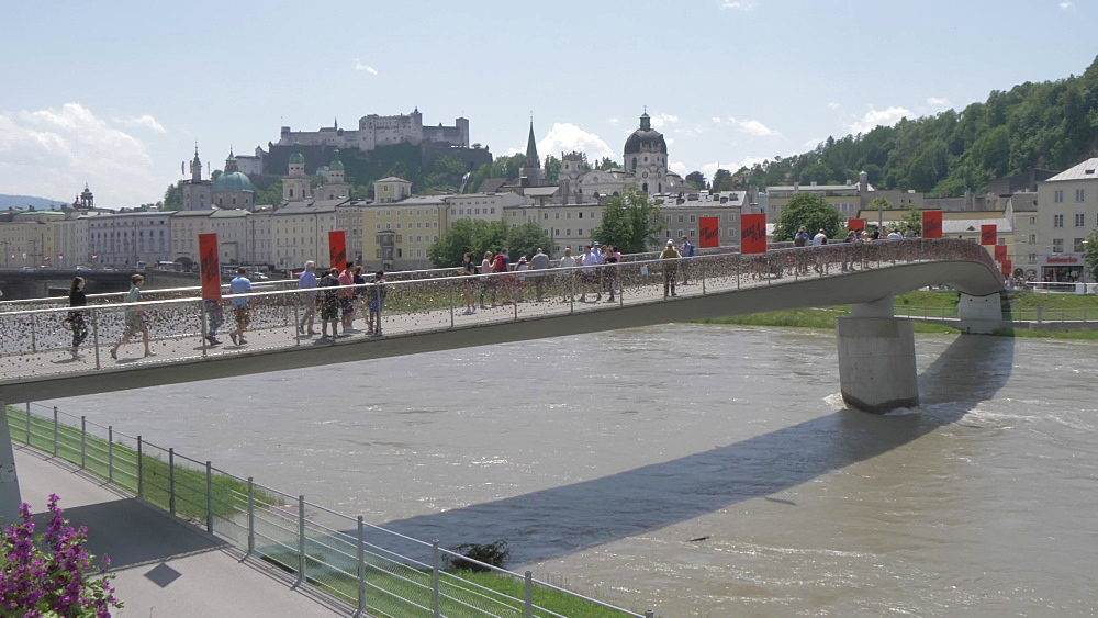 Footbridge over Salzach River and Hohensalzburg Castle, UNESCO World Heritage Site, Salzburg, Austria, Europe