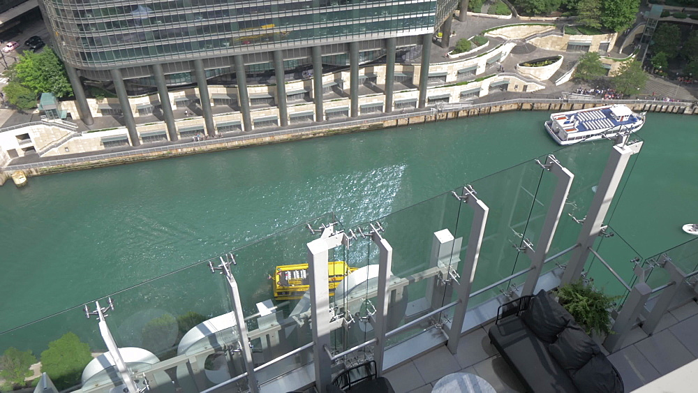 Water taxi on the Chicago River from rooftop bar, Chicago, Illinois, United States of America, North America