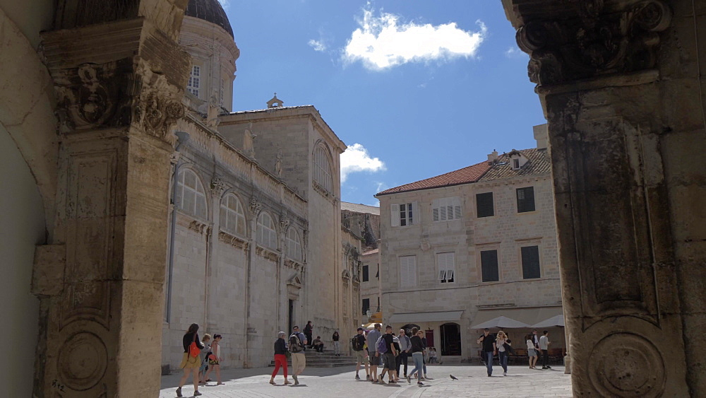 People in Luza Square and Dubrovnik Cathedral, Dubrovnik Old Town, UNESCO World Heritage Site, Dubrovnik, Dubrovnik Riviera, Croatia, Europe