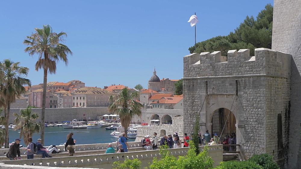 Vrata od Ploca (Ploce Gate), historic gate, Dubrovnik Old Town, UNESCO World Heritage Site, Dubrovnik, Dubrovnik Riviera, Croatia, Europe