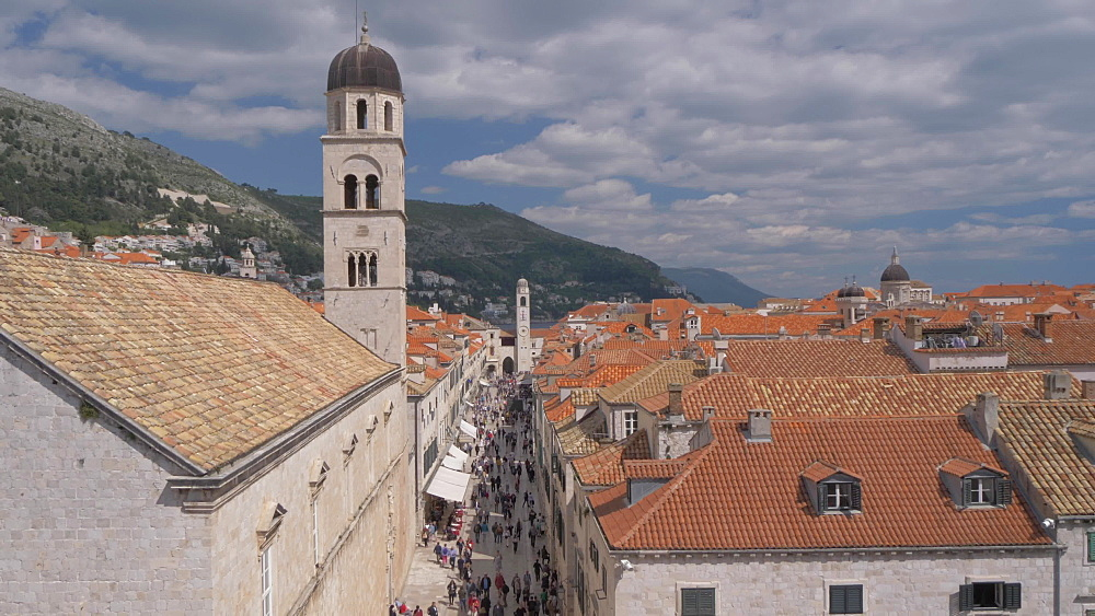 Stradun and rooftops from city wall, Dubrovnik Old Town, UNESCO World Heritage Site, Dubrovnik, Dubrovnik Riviera, Croatia, Europe