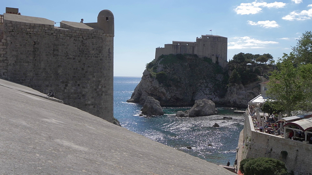 City wall and Lovrijenac fortress, Dubrovnik Old Town, UNESCO World Heritage Site, Dubrovnik, Dubrovnik Riviera, Croatia, Europe