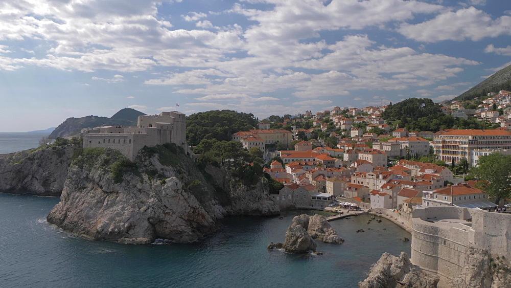 People on city wall and Tvrdava Minceta (Minceta Tower) Dubrovnik Old Town, UNESCO World Heritage Site, Dubrovnik, Dubrovnik Riviera, Croatia, Europe