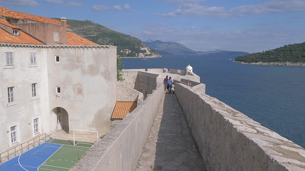City wall, old town and Adriatic Sea, Dubrovnik Old Town, UNESCO World Heritage Site, Dubrovnik, Dubrovnik Riviera, Croatia, Europe