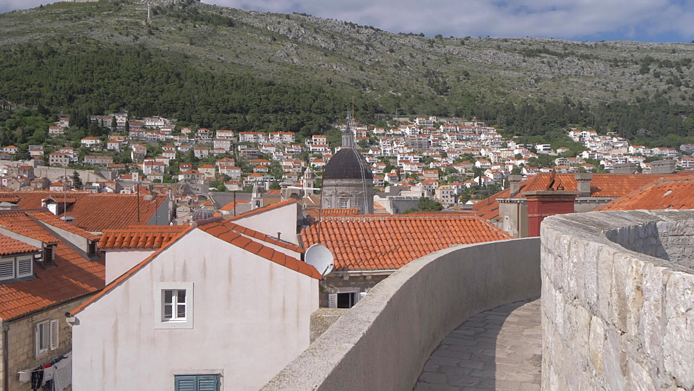 City wall and old town, Dubrovnik Old Town, UNESCO World Heritage Site, Dubrovnik, Dubrovnik Riviera, Croatia, Europe