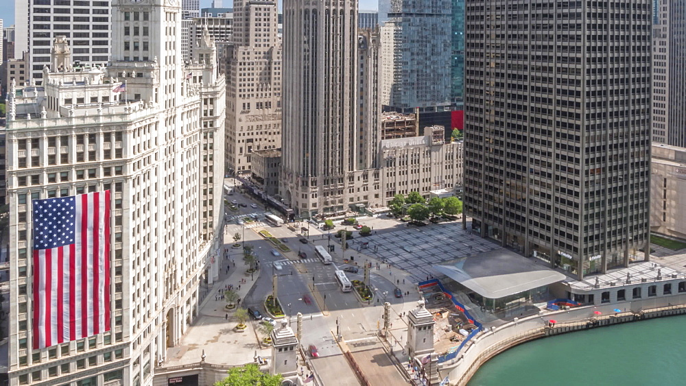 Time lapse of Michigan Avenue from rooftop bar, Chicago, Illinois, United States of America, North America