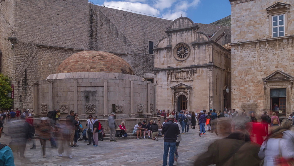 Time lapse of Large Onofrio's Fountain, Dubrovnik Old Town, UNESCO World Heritage Site, Dubrovnik, Dalmatia, Croatia, Europe