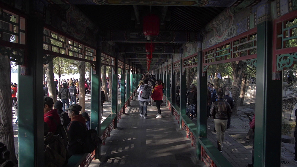 The Long Corridor (Chang Lang) in the Summer Palace, UNESCO World Heritage Site, Beijing, People's Republic of China, Asia